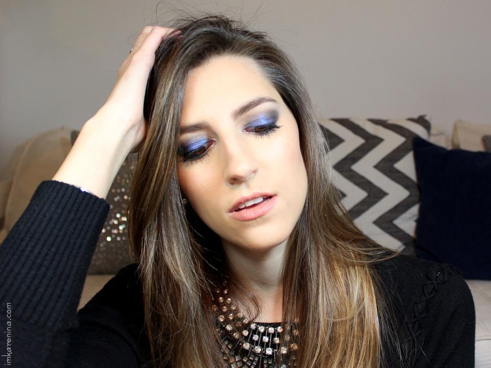 Tutorial-de-maquillaje-smoky-azul-labios-nude-karenina-lukoski-2